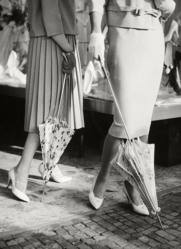 Older Knirps ladies umbrellas in white with patterns